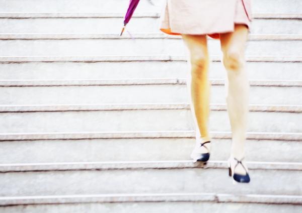 Subir escaleras es un ejercicio sano que además ayuda a aumentar el rendimiento del cerebro