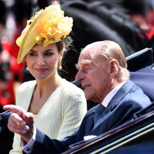 LONDON, ENGLAND - JULY 12:   Queen Letizia (L) and Prince Philip, Duke of Edinburgh leave in a state carriage following a welcome ceremony at Horse Guards Parade  on July 12, 2017 in London, England.  This is the first state visit by the current King Felipe and Queen Letizia, the last being in 1986 with King Juan Carlos and Queen Sofia.   (Photo by Ben Stansall - WPA Pool/Getty Images)
