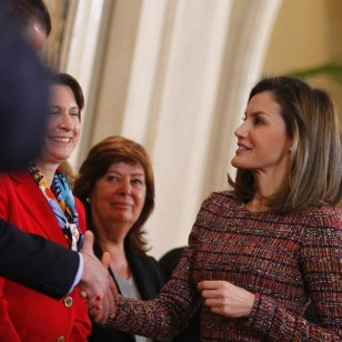 Letizia con top de tweed