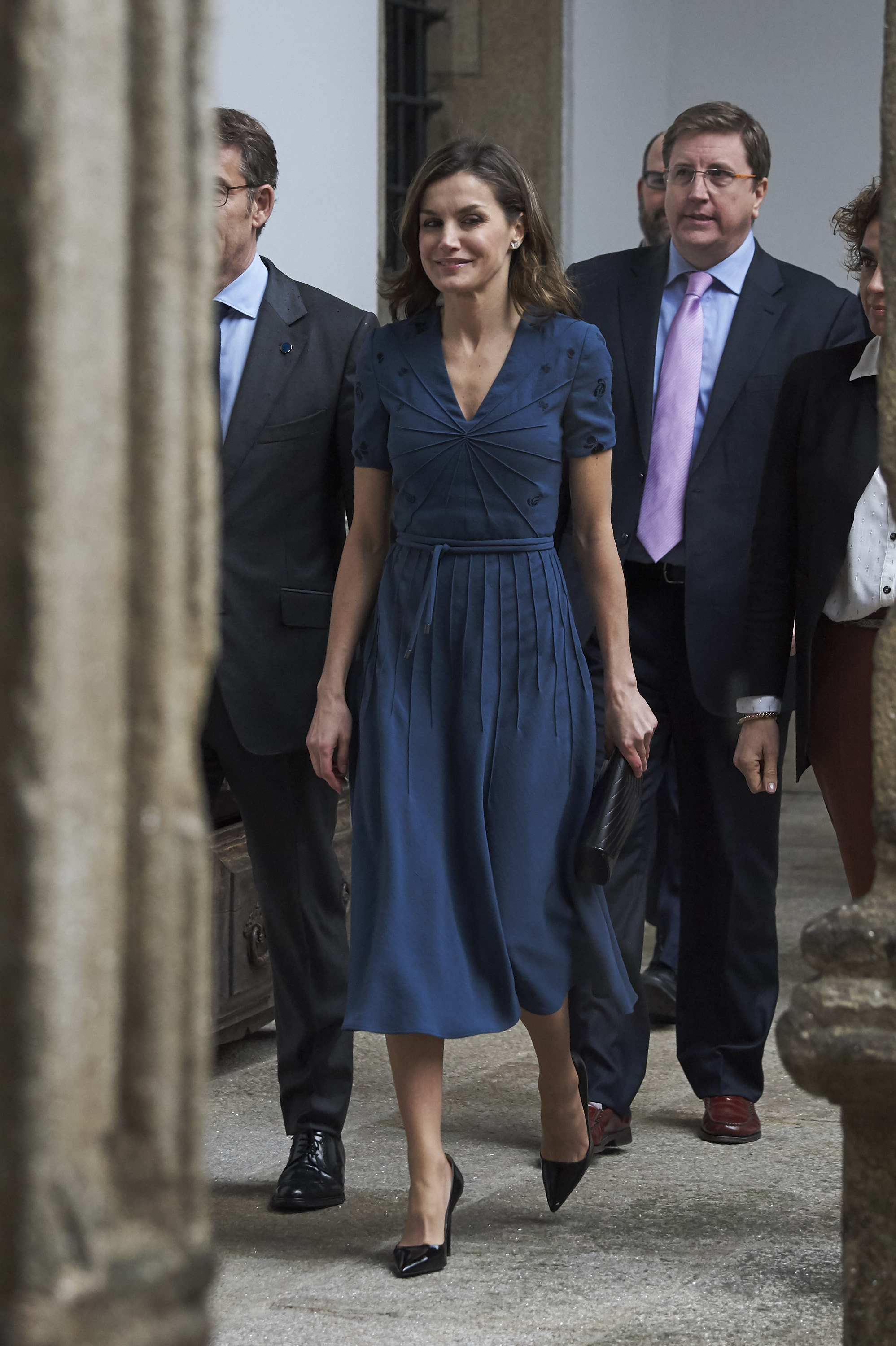 SANTIAGO DE COMPOSTELA, SPAIN - MARCH 02: Queen Letizia of Spain attends 'Digitalizadas' presentation at the Reyes Catolicos Hotel on March 2, 2018 in Santiago de Compostela, Spain. (Photo by Carlos R. Alvarez/WireImage)