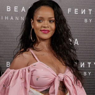 Famosos y famosas que son piscis: Rihanna