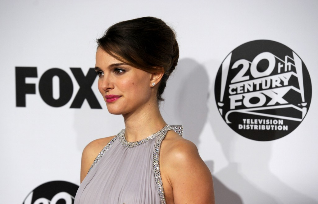 BEVERLY HILLS, CA - JANUARY 16:  Actress Natalie Portman arrives at the Fox Searchlight 2011 Golden Globe Awards Party held at The Beverly Hilton hotel on January 16, 2011 in Beverly Hills, California.  (Photo by Jason Merritt/Getty Images)