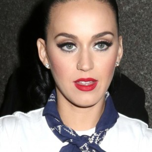 Katy Perry, con un maquillaje 'cut crease'.