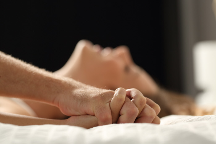 COUPLE HAVING SEX ON A BED AT HOME.HAND,HANDS,BED,INTIMATE,INTIMACY,SEXUAL,COPULATION,COITUS,ACT,SEXUAL ACT,SEX,GENDER CHANGER,INTERCOURSE,SEXUAL INTERCOURSE,ENTHUSIASM,AMUSEMENT,ENJOYMENT,JOY,GAG,JOKE,PLEASURE,FUN,GLADNESS,DELIGHT,COUPLE,PAIR,GUY,WOMAN,CLOSE,HUMANS,HUMAN BEINGS,PEOPLE,FOLK,PERSONS,HUMAN,HUMAN BEING,HAND,HANDS,LADY,FEMALE,FEELING,CLOSEUP,ROOM,BED,PLAYFUL,MALE,MASCULINE,INTERIOR,ATTRACTION,HOT,LIE,LYING,LIES,SENSUAL,LUST,ADDICTION,TENDENCY,SEXY,ACTIVE,EROTIC,HOTEL,TOUCH,BEDROOM,INTIMATE,UP,ON,INTIMACY,DESIRE,INDOOR,ADULTS,ADULT,PASSION,POSSESSION,HOLDING,PRELUDE,FOREPLAY,SEXUAL,ROMANCE,AFFAIR,LOVE,IN LOVE,FELL IN LOVE,PASSIONATE,ORGASM,MAKING,DATE,DATING,GET TO KNOW,COPULATION,COITUS,ACT,SEXUAL ACT,SEX,GENDER CHANGER,INTERCOURSE,SEXUAL INTERCOURSE,NUDE,NAKED,ZEAL,COURAGE,AUDACITY,WIFE,PARTNER,SPOUSE,YOUNG,YOUNGER,URGE,LECHEROUSNESS,HORNINESS,ENTHUSIASM,AMUSEMENT,ENJOYMENT,JOY,GAG,JOKE,PLEASURE,FUN,GLADNESS,DELIGHT,COUPLE,PAIR,TO COURT,FLIRT,FLIRTING,NUDE PORTRAIT,NUDE STUDY,NUDE PAINTING,NUDE PHOTOGRAPH,NUDE PICTURE,NUDE PHOTO,HUSBAND,RELATIONSHIP,RELATION,BACKDROP,BACKGROUND,FAMILIY,FAMILY,GIRLFRIEND,GIRL,GIRLS,MAN,LOVERS,COURTING COUPLE,DATING COUPLE,DAPPER,ACCOSTING,PRETTY,PR,HOME,MARRIAGE,HAVING,INFIDELITY,SEXUALITY,EROTICAL