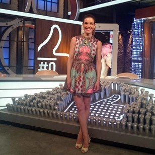 Raquel Sánchez Silva, con un vestido corto en 'Likes'