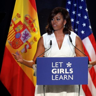 Let Girls Learn, Michelle Obama con la educación de las niñas