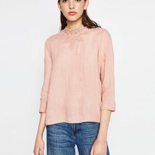 Top de lino en rosa de Zara (25,99 euros)