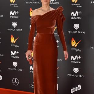 Ruth Díaz ha sido otra de las triunfadoras de la noche gracias a su premio a la Mejor Actriz de Reparto en una película ('Tarde para la ira'), pero también por su impecable vestido de Fernando Claro.